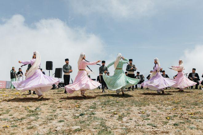 25 июня в ДКТ «Чайка» выступит Крымскотатарский фольклорный ансамбль «Крым»