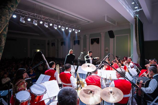 5 июля состоится премьера летней программы Крымской государственной филармонии. Концерт «Летний экспромт» станет уже четвертым по счету выступлением филармонии в Феодосии в этом году