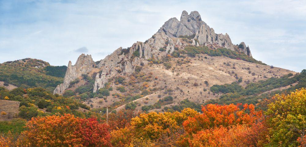 Тур выходного дня «Путешествие» — почувствуй Восточный Крым вместе с нами! Эксклюзивные экскурсии и проживание от 5 600 рублей.