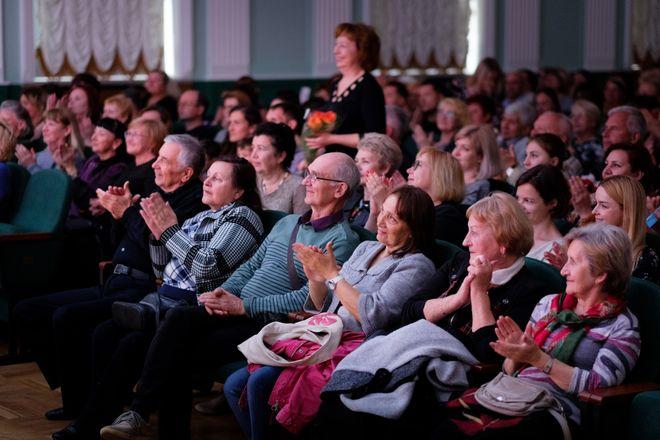 ДКТ «Чайка» приглашает на концерт «Музыкальные шедевры эпох» в исполнении Камерного оркестра Крымской государственной филармонии. 5 октября, начало в 19:00. Стоимость билетов от 250 рублей.